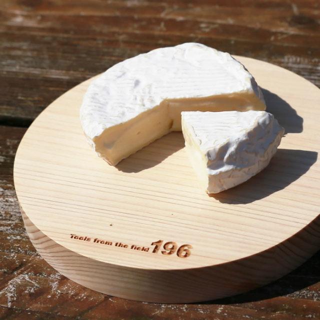 キャンプ まな板 カマンベールチーズ