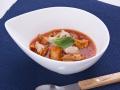 やわらかホルモンと白いんげんの完熟トマト煮