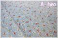 WINDHAM FABRICS STORYBOOK CHRISTMAS フラワー ブルー 41748-4 (約110cm幅×50cm)
