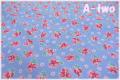 Robert Kaufman BIRDS OF LIBERTY Berries ブルー 16347-73 (約110cm幅×50cm)