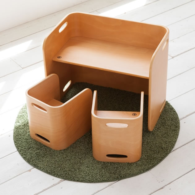 【COLO COLO Chair & Desk】天然木のブナ材を使用したベビー用の椅子と子供机 3点セット(机1台・椅子2脚) color:ナチョラル