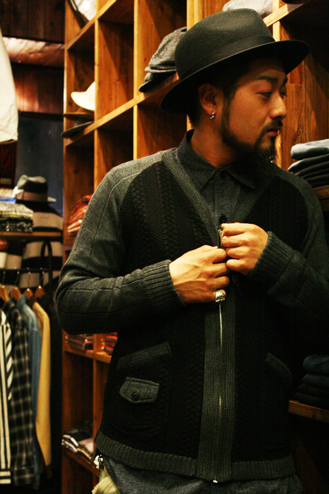 BLACK SIGN  「Worsted Zipper Front Sweater」  ジップセーター
