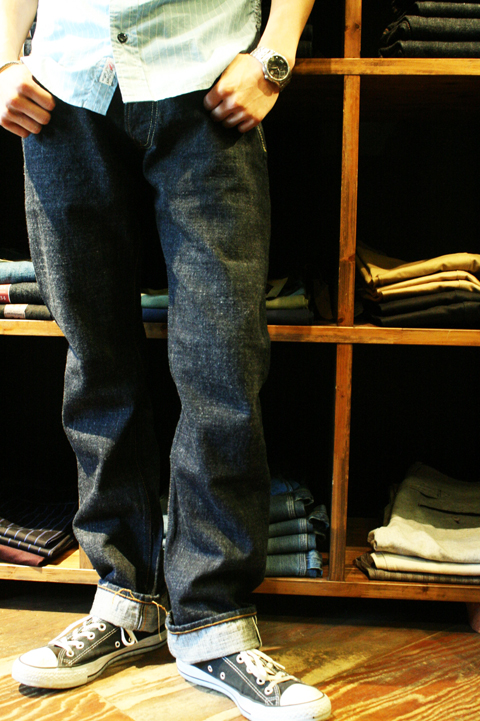 TROPHY CLOTHING  「1607 NARROW DIRT DENIM」  ナローダートデニム