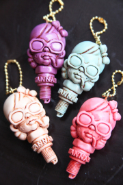 MADSCULPTURES×American Wannabe  「Plug Girl Key Chain 」  ハンドメイドキーチェーン