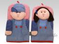 NaRaYa(ナラヤ) 鍋つかみ(ミトン) オーバーオールの男の子と女の子 人形タイプ 2個セット a