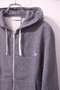 MAISON KITSUNE���᥾�󥭥ĥ͡�ZIP HOODIE TRICOLOR PATCH�����åץ��å� �������åȥѡ������� ��different���Ρ�