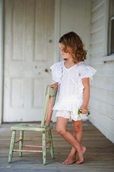 Ivory ruffle top with ruffles
