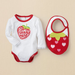 heart berry bib and bodysuit set white