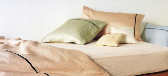とてもやわらかな肌触りのサテン生地で無地風ナチュラルカラー・ボックスシーツ「エフィットプラス」キングサイズ200巾・受注生産