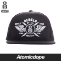 ������̵���ۡ�REBEL8��STRIKE TWICE ���ʥåץХå�����å� ˹�� �� SNAPBACK Black ��٥륨���� �ե꡼������
