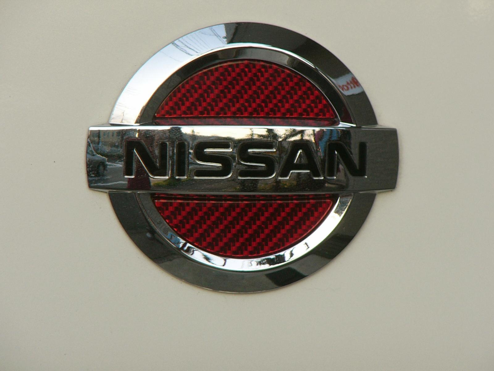 NISSAN MG22S MOCO専用フロント&リヤエンブレム シルバーカーボン「レッドVer」フィニッシャーセット