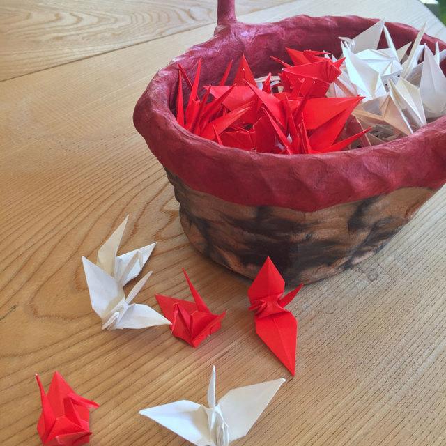 折りツルシャワー 紅白