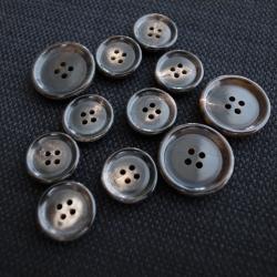 【厚みのある形(CORO)】本水牛ボタン#COROHORN 4穴14mm&19mmセット C/#DB【ブラウン】***10%OFF***