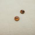 【丸型(染めボタン)】黒蝶貝 貝ボタン#00104 2穴10mm C/#ORANGE