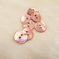 【丸型(染めボタン 皿型)】アコヤパールシェル 貝ボタン#00104 2穴15mm C/#framboise