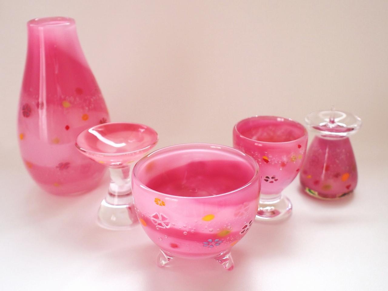 ピンクの仏具 花柄 かわいい