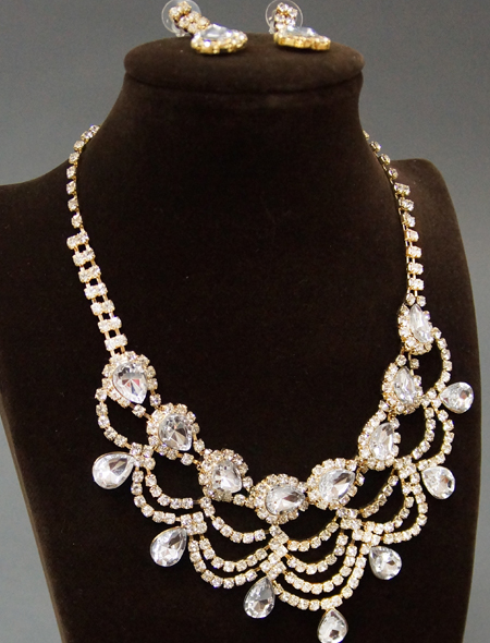 繊細で美しい輝きネックレスとピアスのセット3 ミラーナベリーダンス衣装