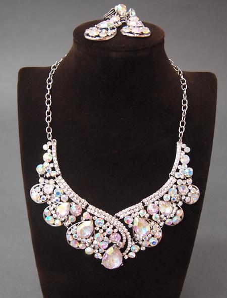 ドロップ型のネックレスとイヤリングのセット ミラーナベリーダンス衣装