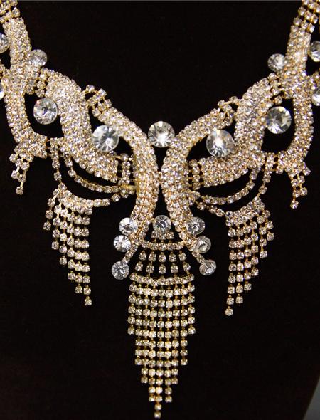 揺れるストーンが特徴的なネックレス ミラーナベリーダンス衣装