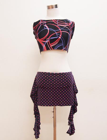 黒赤タンクトップ ミラーナベリーダンス衣装2