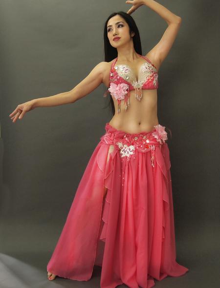 ピンクのコサージュが可愛いベリーダンス衣装1 ミラーナ