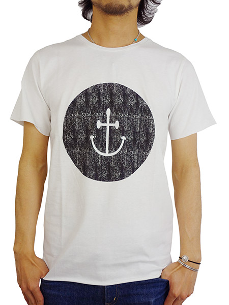 INSTED WE SMILE SMILEY FACE TEE BLACK/WHIITE