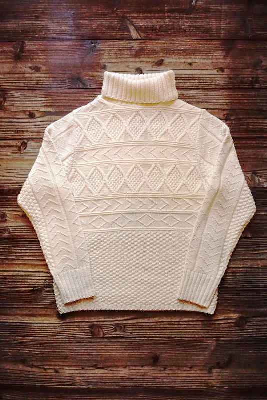 BY GLAD HAND ISLANDS - TURTLENECK IVORY
