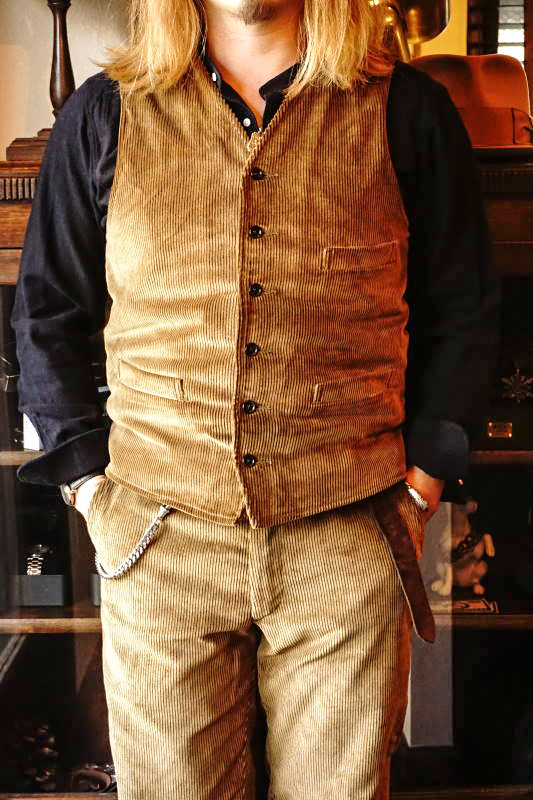 BY GLAD HAND LOWELL - VEST CAMEL