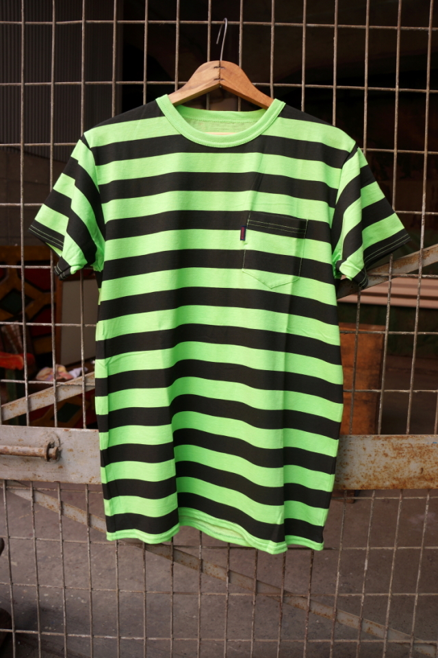 BAD QUENTIN NEON BORDER PRINT T-SHIRTS GRN/BLK