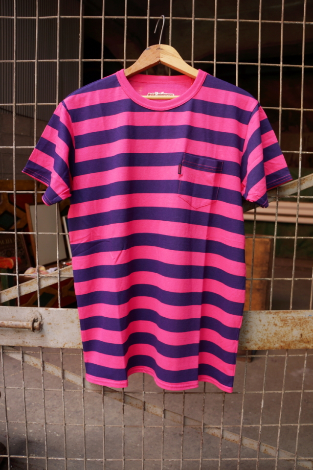 BAD QUENTIN NEON BORDER PRINT T-SHIRTS PNK/NVY