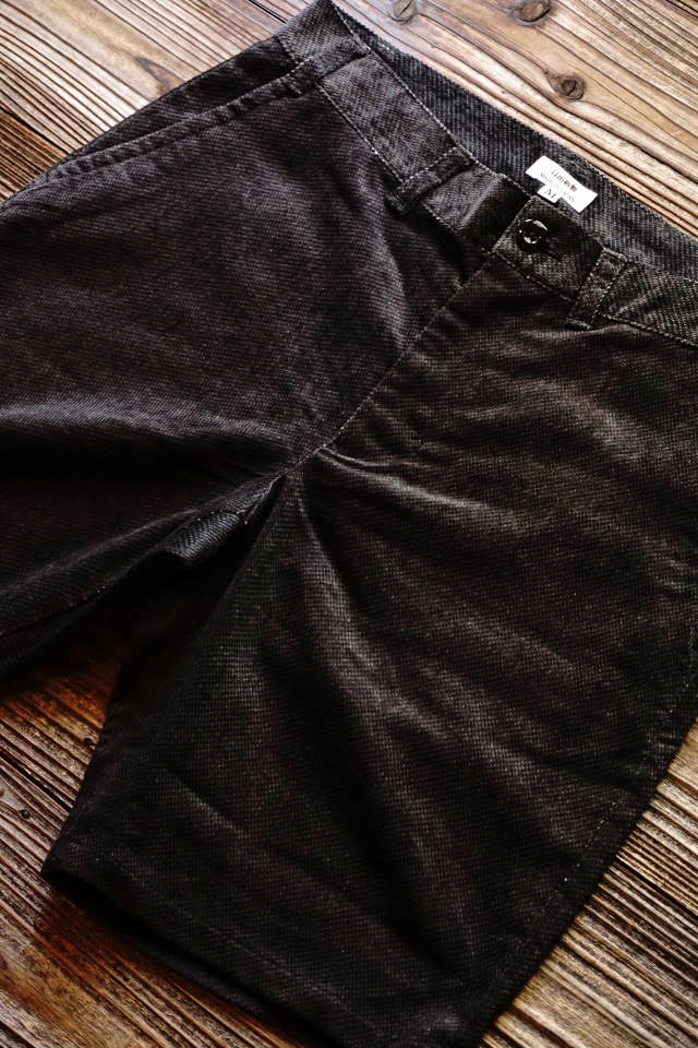 JANIS & Co. DOBBY CORD SHORTS BLACK