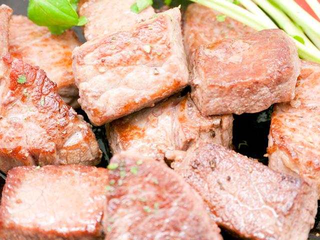 オーシャンビーフ牛モモ噛む噛むサイコロステーキ用