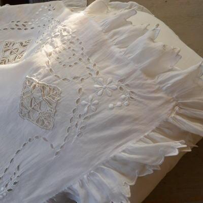 L2031 フランスアンティーク綿ローンクロス カットワーク手刺繍&ニードルポイントレース&シルク 57x65cm