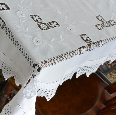 T2357 イギリスアンティークコットンテーブルクロス ドロンワーク&マシーン刺繍コットン&クロシェレース 93x89cm