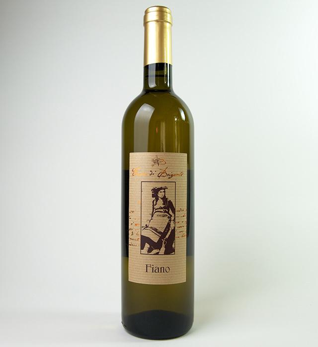 カンパーニャ州の自然派ワイナリー、テッラディブリガンティの辛口白ワイン、フィアーノ。亜硫酸塩無添加です。