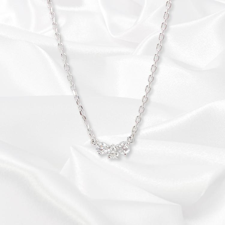 【一次生産分完売!二次予約受付中!】【kikira】Three Stone Necklace 3粒ストーンネックレス WH