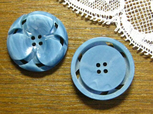 フランスアンティークプラスチックボタンL(blue)