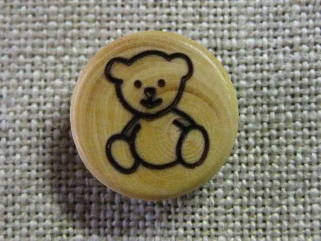 フランス木製ボタン(ベアM)
