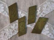 アンティーク&ブロカント プチイニシャルプレート(A,B,E,N)