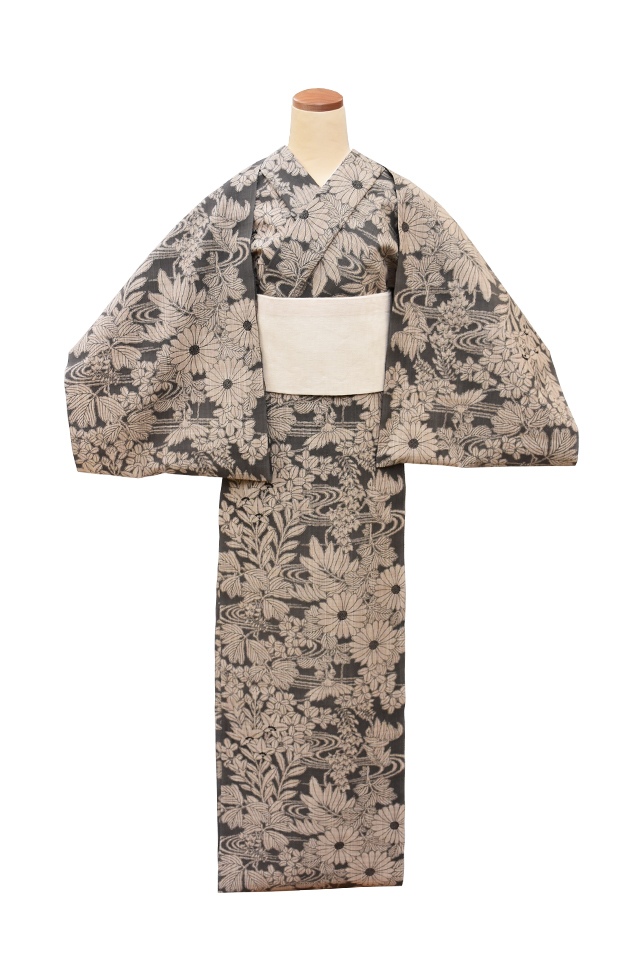 【反物】女性 『松煙染小紋』菊と桐 萩桔梗に流水