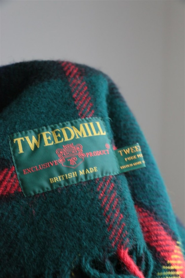 BW1412362 TWEED MILL shawl Hunting McLeod