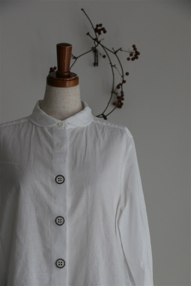 TS172025 TINA and SUSIE ボタン刺繍8分袖シャツ