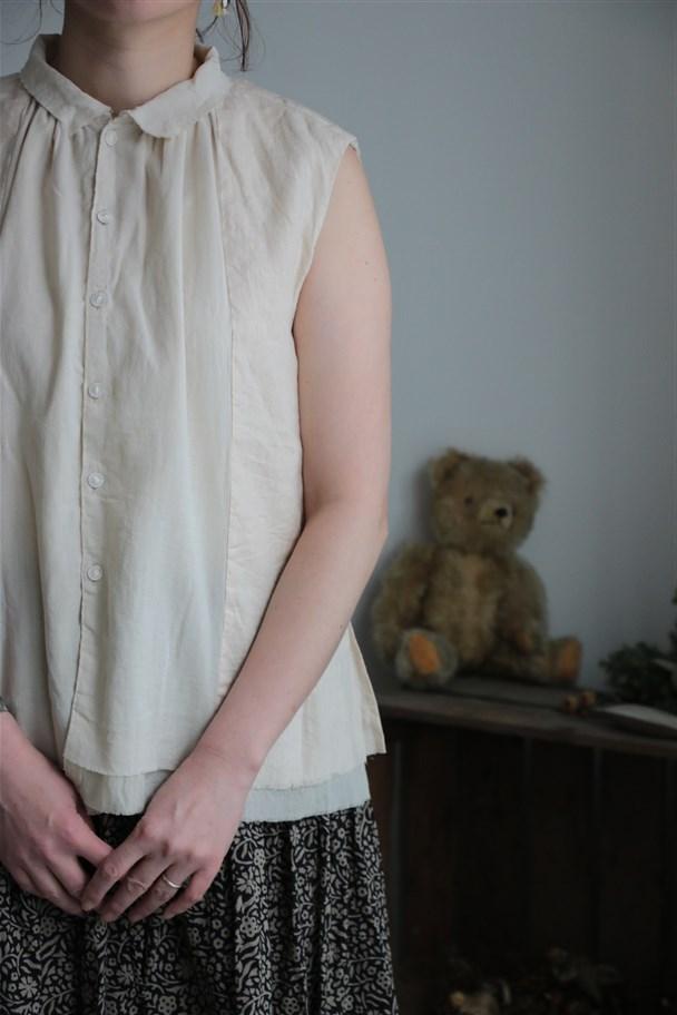 13123671 vlas blomme ギャザーノースリーブブラウス 2色