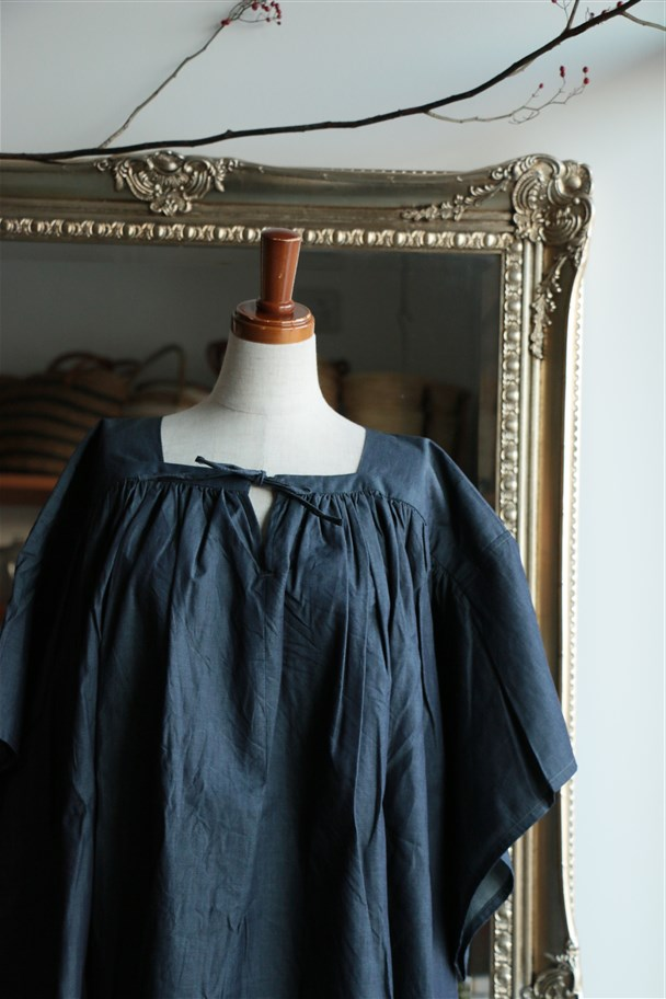 17-S090 si si si gathers wide ribbon blouse indigo