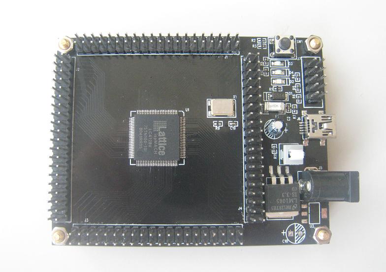 Lattice(ラティス)CPLD、ispMACH4000ファミリのLC4128V開発ボード