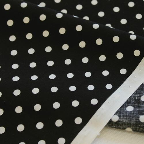 生地・布 ≪ YUWA dot - ブラック ≫  コットン生地/幅108cm/シャーティング YUWA/有輪商店/YUWAコットン 【10cm単位販売】【メール便OK】