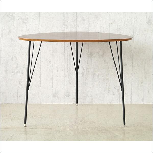 【送料無料】ウォールナット突板のダイニングテーブル 三角形の天板