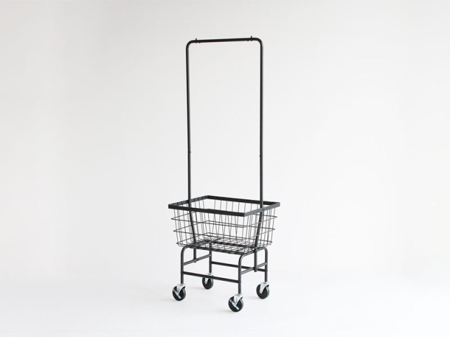 【送料無料】 インダストリアルデザイン スチール製のコートハンガー