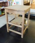 楢材の角テーブル