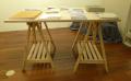 バーチ材の脚のテーブル